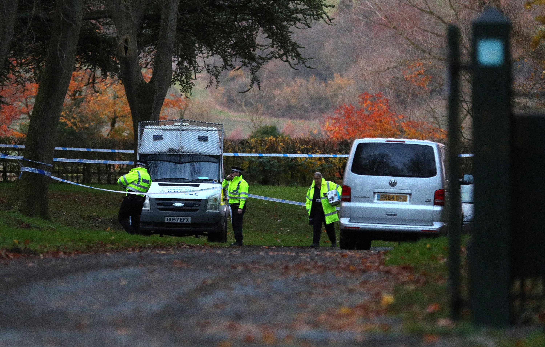 Hubschrauber und Flugzeug stoßen zusammen - Vier Tote bei Flugunfall in England
