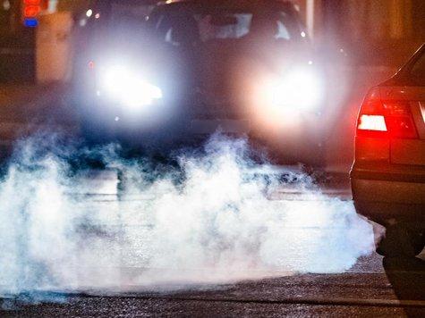 Dicke Luft: Die Abgasreinigung wird bei der Abgasuntersuchung ab 2018 mit der sogenannten Endrohrmessung ermittelt.
