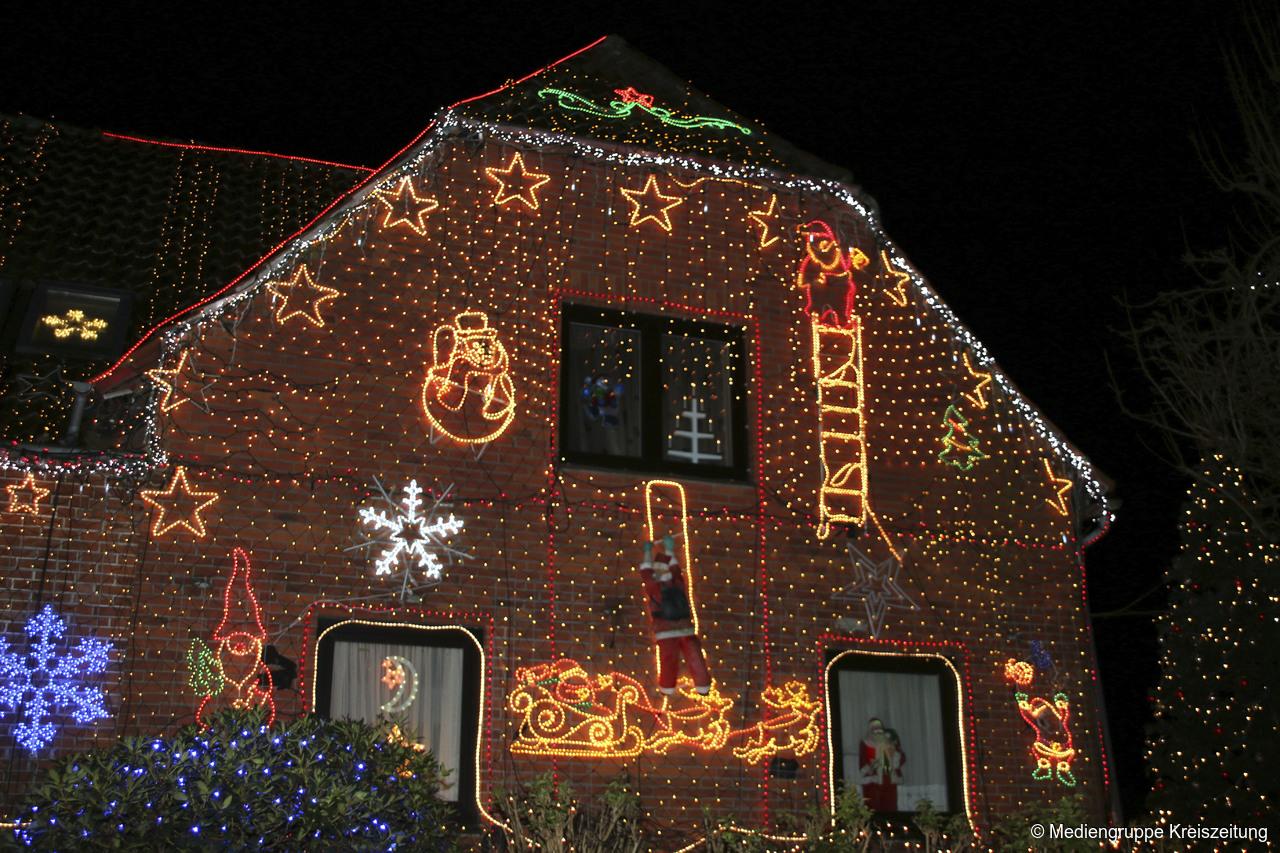 Kalle Niedersachsen Weihnachtsbeleuchtung.Weihnachtshaus In Calle Erhält Jedes Jahr Mehr Lämpchen Grafschaft
