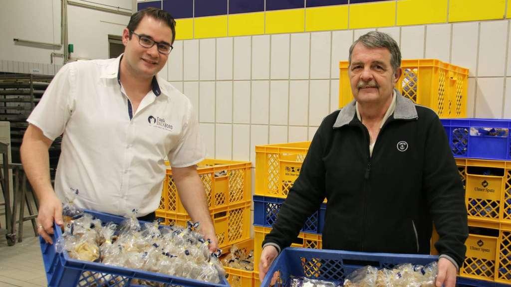Christof Baalk (l.) und Reinhard Wadas mit der Spende. - Foto: Niemann