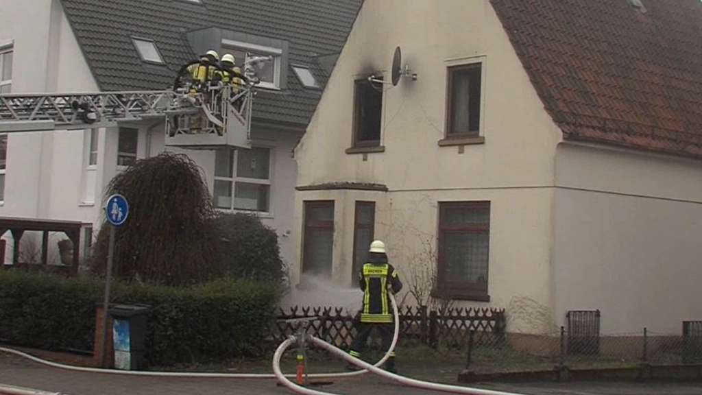 Feuer Bremen mann stirbt bei brand in einfamilienhaus in bremen arsten bremen