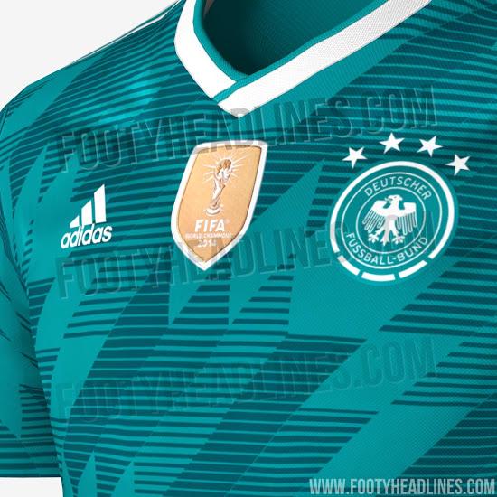 Das zweite Trikot der Nationalmannschaft strahlt in Russland wohl in Grün.