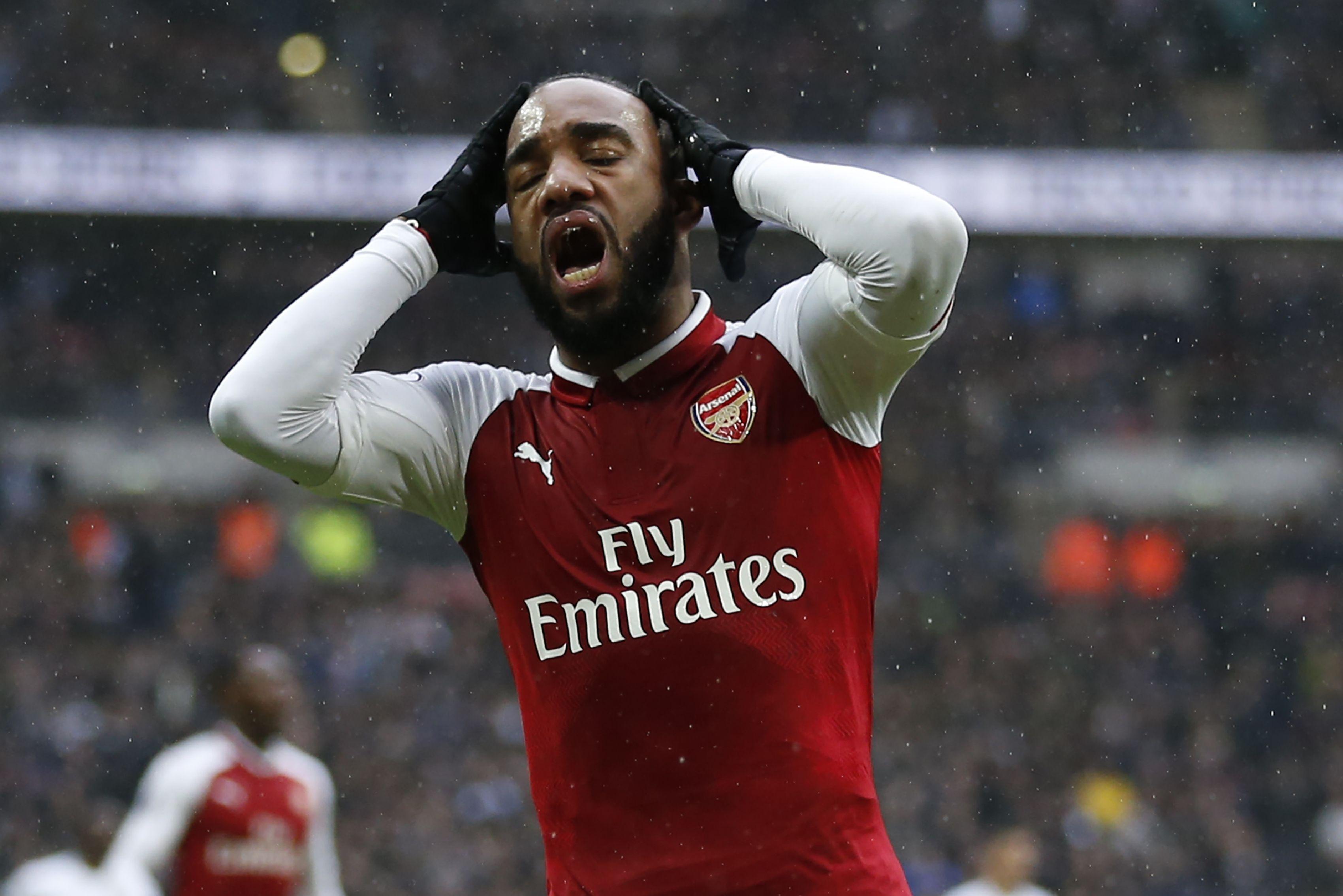 Bitter: Alexandre Lacazette wird Arsenal London lange fehlen.