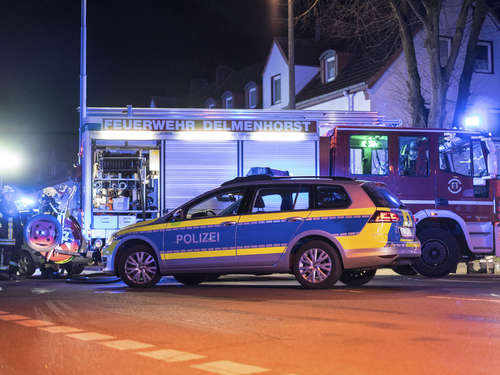 Auto kracht in Delmenhorst in voll besetztes Taxi
