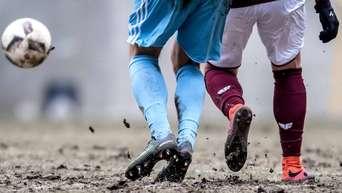 Alle Fussball Vereine Mussen Saisonverlangerung Zustimmen