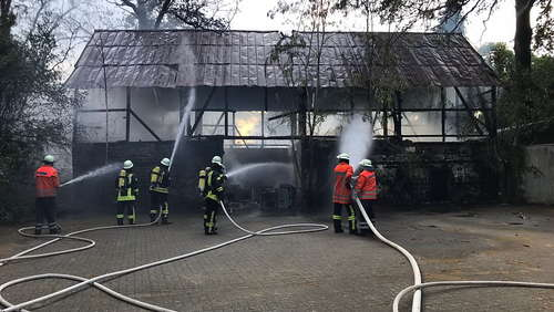 Scheune in Sittensen steht in Vollbrand