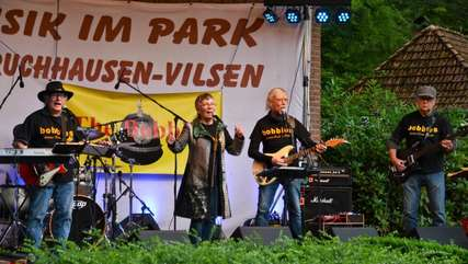 """The Bobbies"" im Kurpark in Bruchhausen-Vilsen"