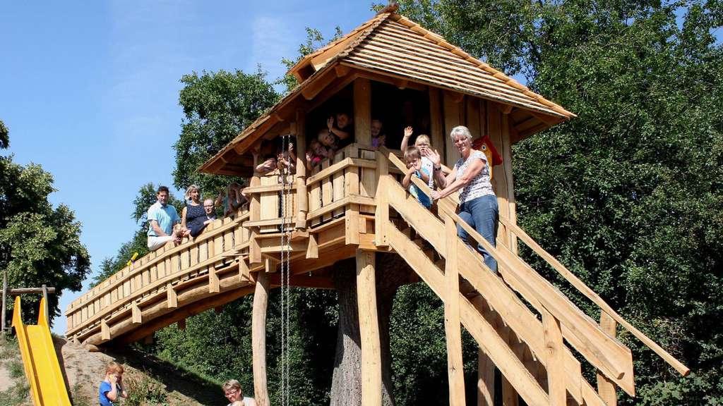 Eine Große Bereicherung Für Die Kinder In Der Heiligenloher Kita Lollypop:  Das Neue Baumhaus,
