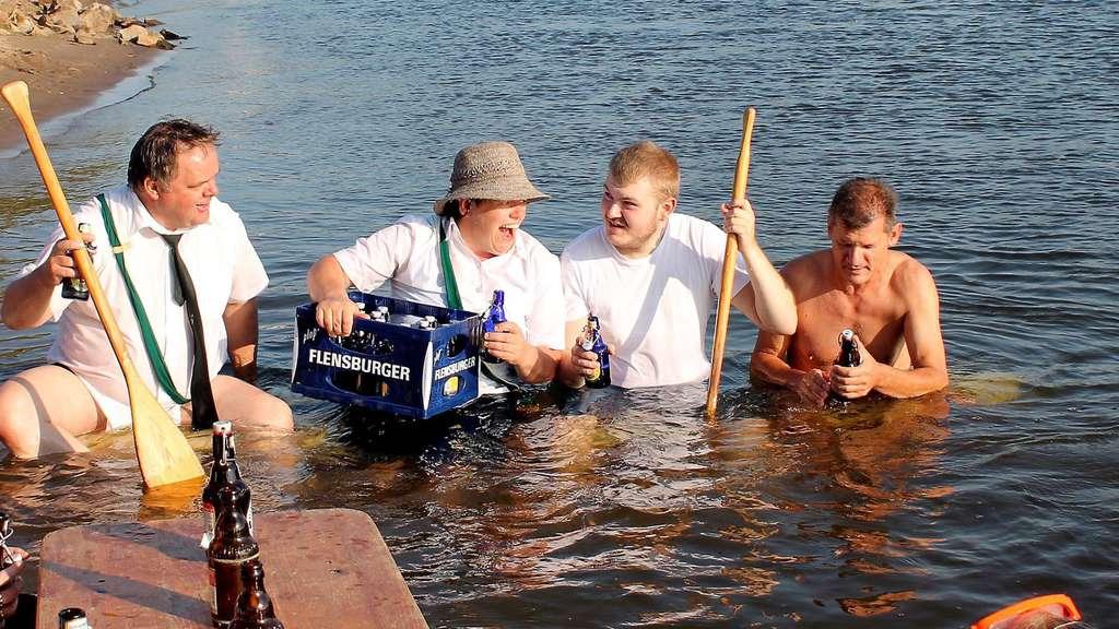 Schützen Fordern Sich Bei Cool Water Challenge Gegenseitig Heraus