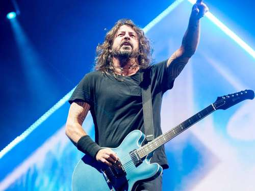 Erste Hurricane-Bandwelle mit den Foo Fighters