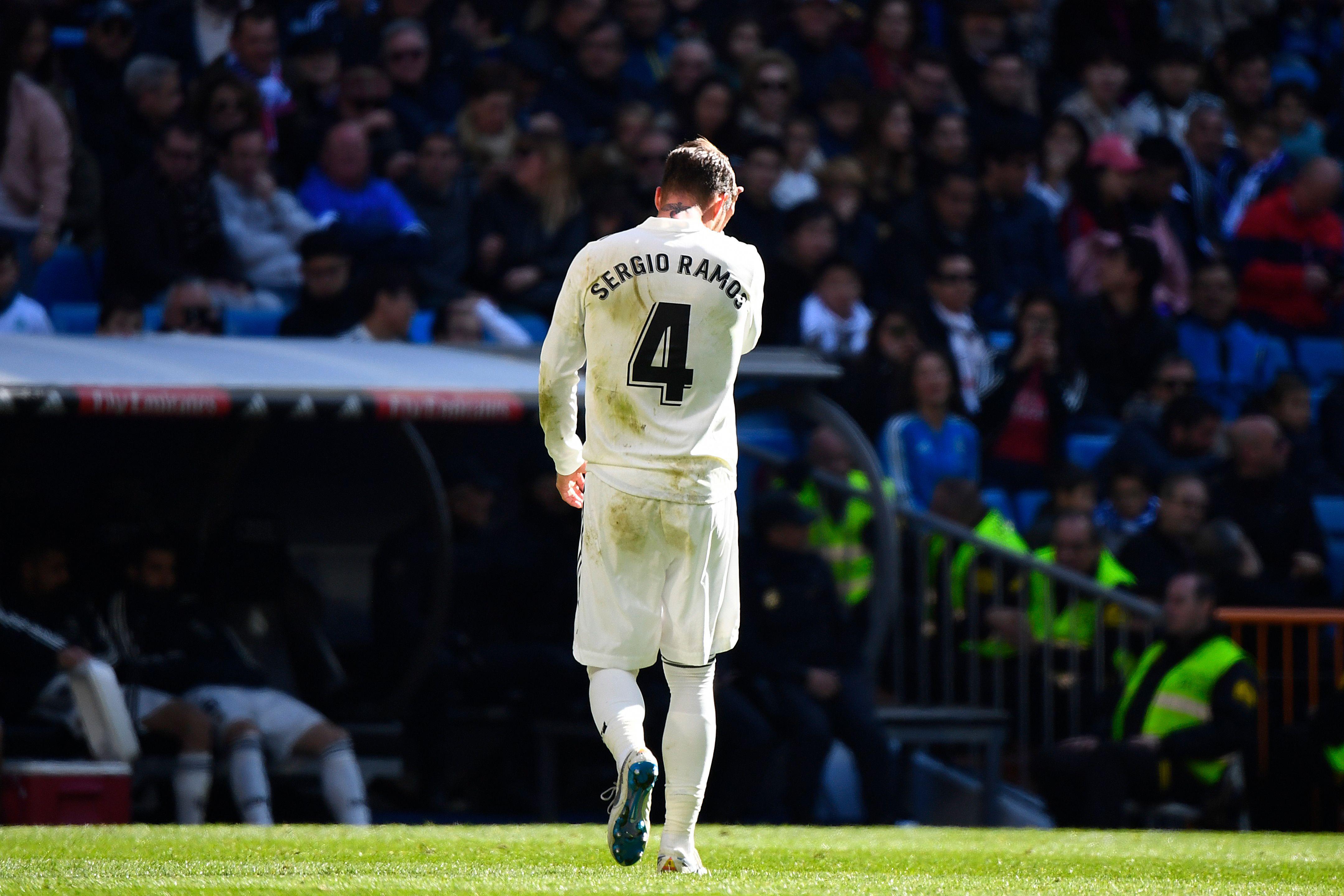 Gebrauchter Tag für Sergio Ramos: Real Madrid verliert und der Starverteidiger fliegt in der Schlussphase vom Platz.