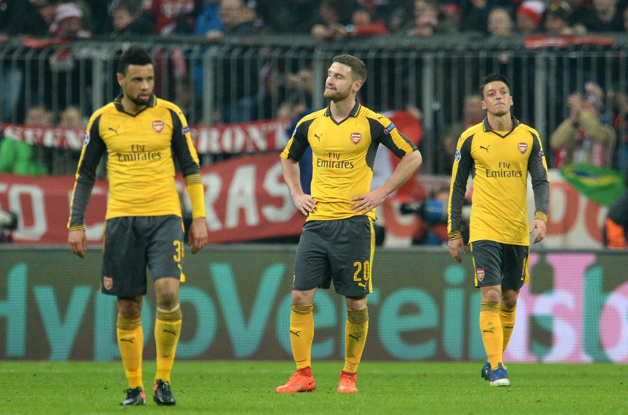 Auf dem brisanten Video sollen auch die beiden deutschen SpielerShkodran Mustafi (Mitte) undMesut Özil (r.) zu sehen sein.