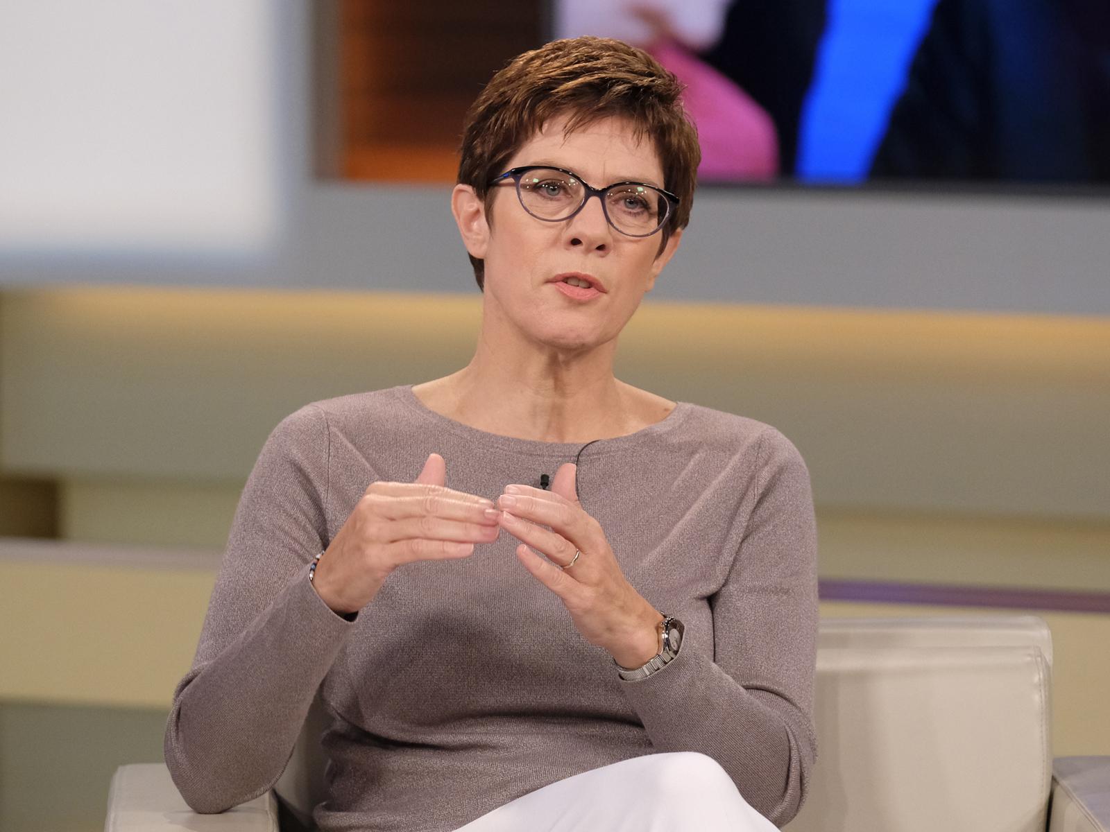 Auftritt bei Anne Will: Kramp-Karrenbauer antwortet auf die Kanzlerfrage