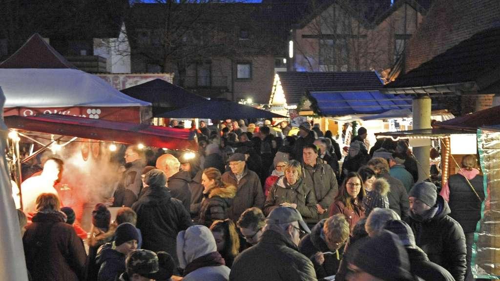 Aussteller Weihnachtsmarkt.Rund 110 Aussteller Bei Stuhrer Weihnachtsmarkt Am 15 Und 16