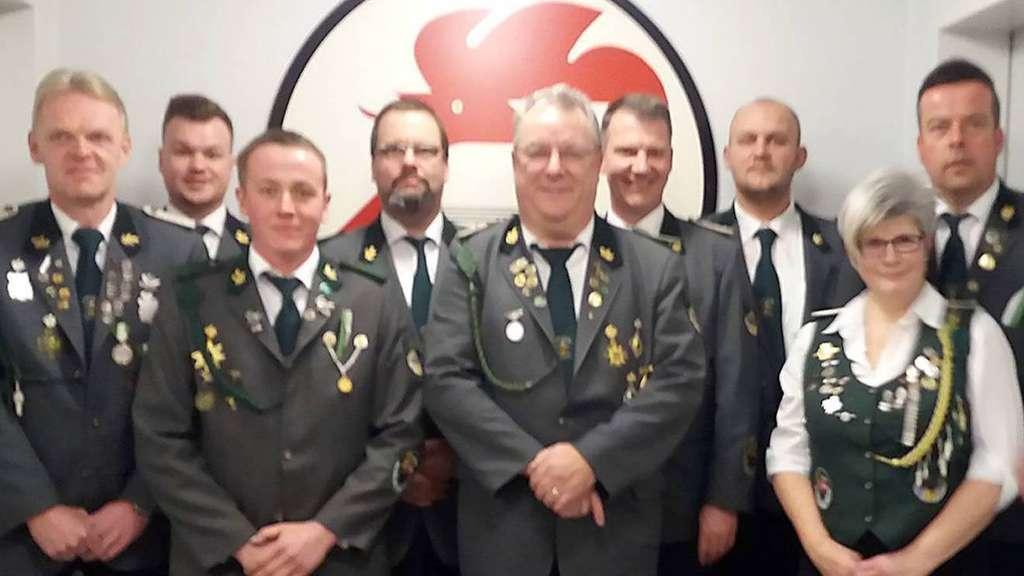 Vorstand und Geehrte beim SV Dauelsen. Foto: Schützenverein
