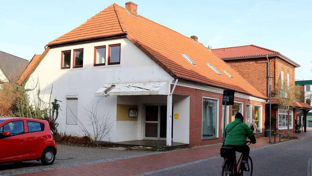 Syke: Kirchengemeinde darf marodes Haus an der Hauptstraße nicht ...
