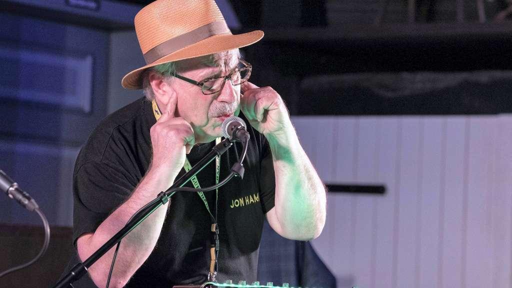 Nicht nur an den Tasten, sondern auch am Mikro erwies sich der New Yorker Jon Hammond als exzellenter Entertainer.