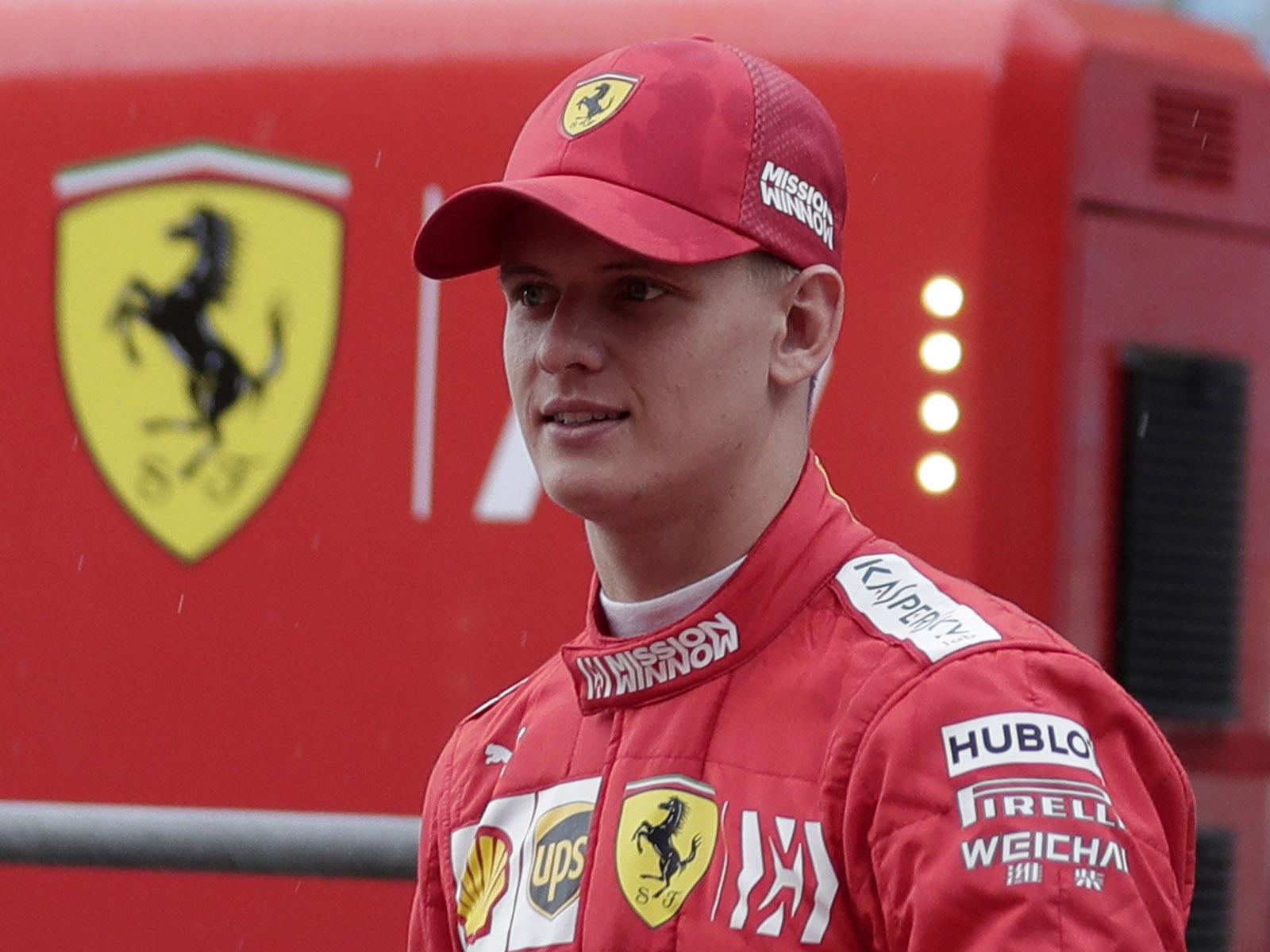 Mick Schumacher durfte bereits einen Ferrari testen.