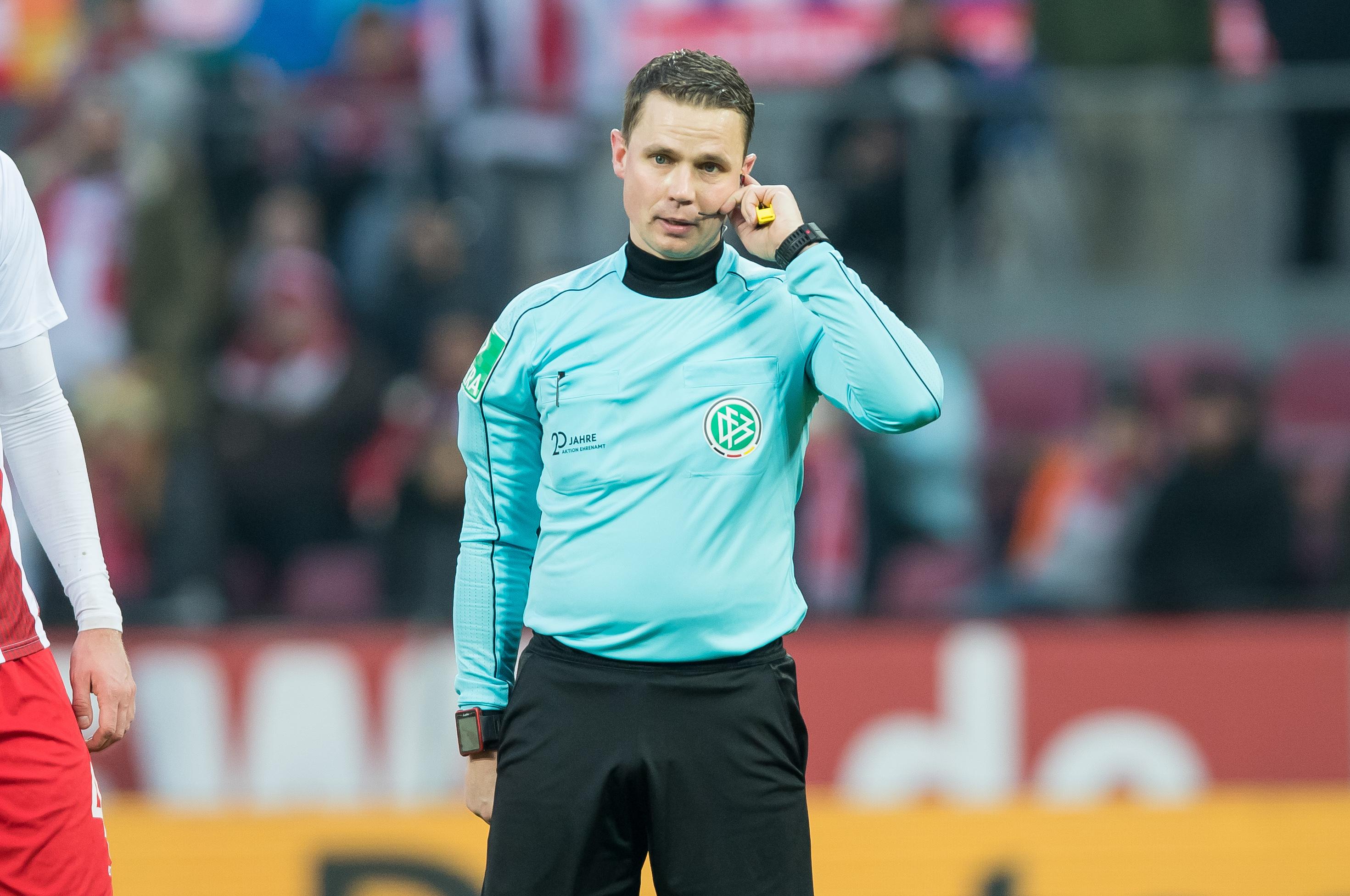 Schiedsrichter Robert Kampka darf am Wochenende nicht als Vierter Offizieller agieren.