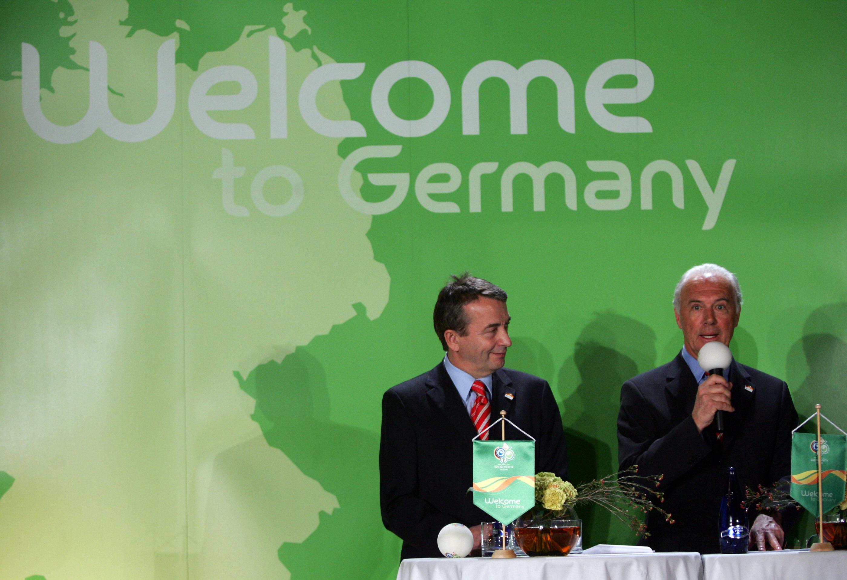 Franz Beckenbauer und die WM 2006:Schweizer Justiz lässt Gesundheitszustand vom Kaiser beurteilen.