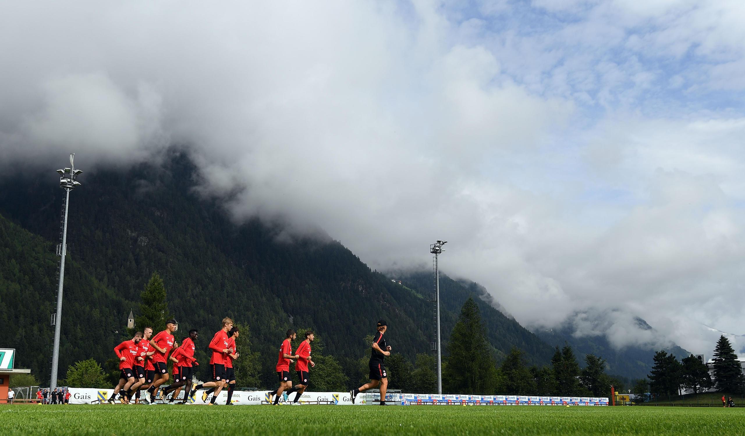 Vom 26. Juli bis 4. August reist die Mannschaft ins zweite Trainingslager nach Österreich