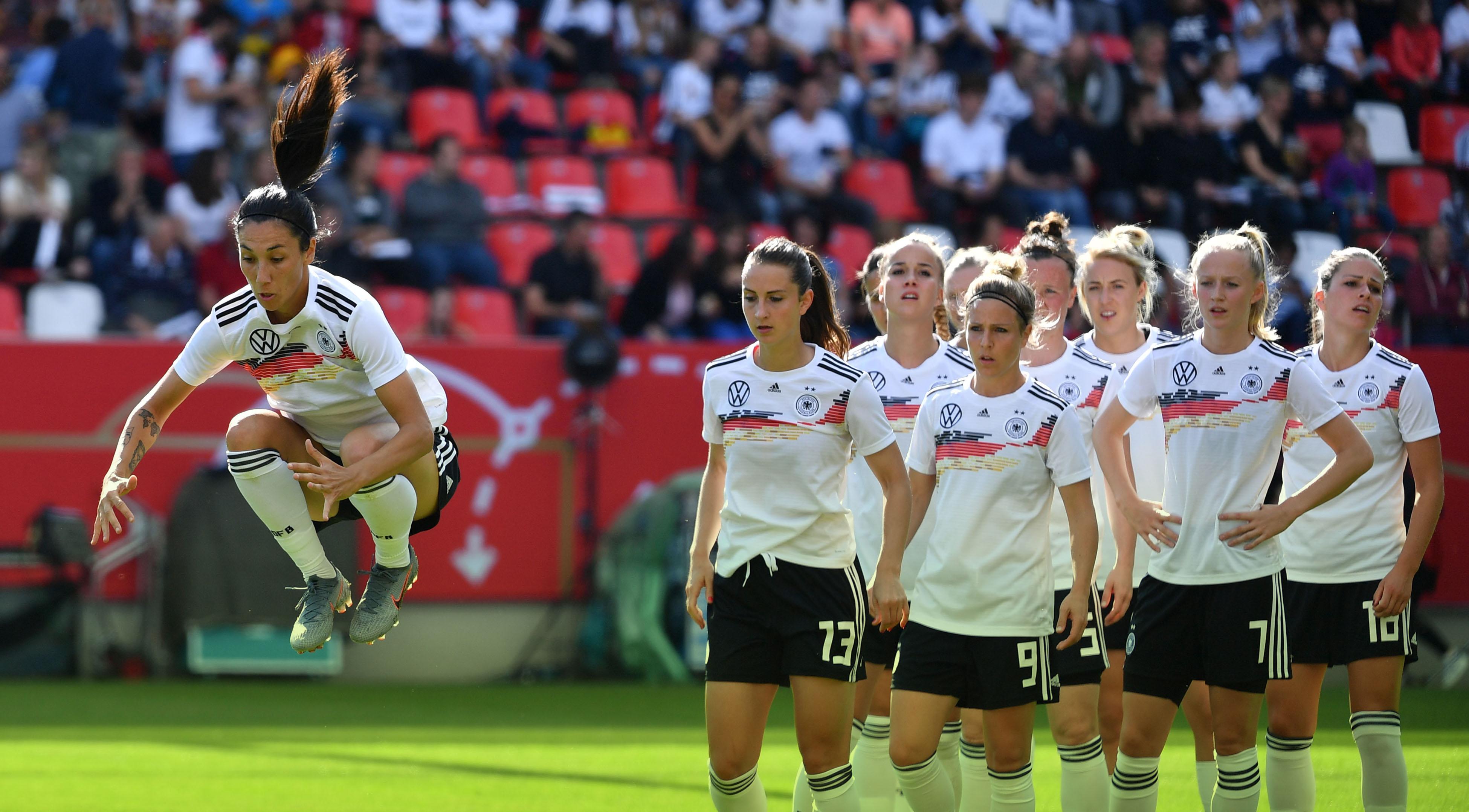 detailed pictures 498bc 6052b In Deutschland stagniert die Entwicklung im Frauenfußball ...