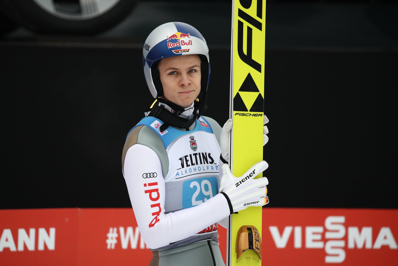 Andreas Wellinger muss für lange Zeit auf seine geliebten Skier verzichtenb. Der 23-Jährige fällt nach schwerer Verletzung lange aus.