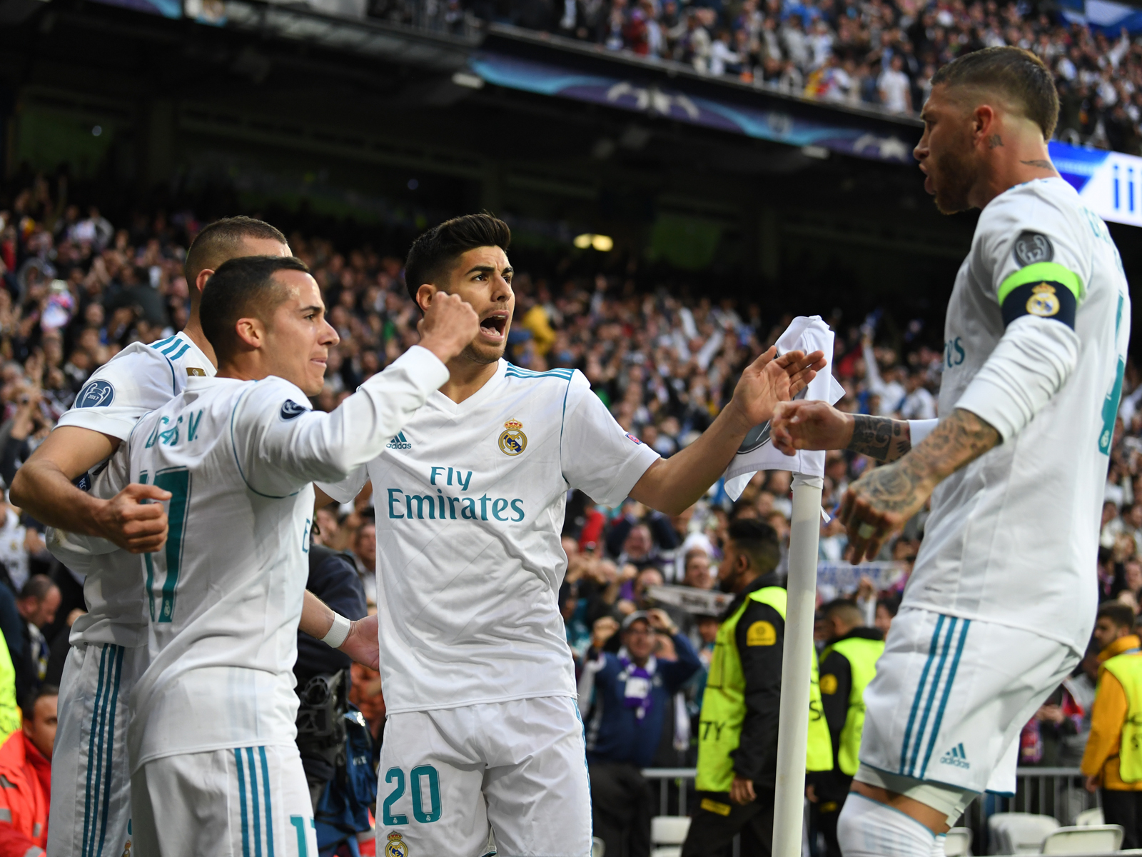 Hier können die Real-Stars Lucas Vazquez (2. v. l.), Marco Asensio und Sergio Ramos noch jubeln.