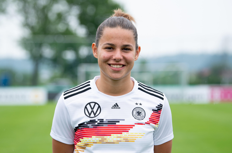 Karriere wie im Rausch - Lena Oberdorf spielt trotz ihrer erst 17 Jahren bereits eine große Rolle in den Überlegungen des DFB.