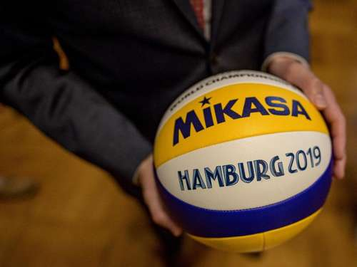 Beach-WM: 96 Teams, 1500 Tonnen Sand, Sieben-Million-Etat