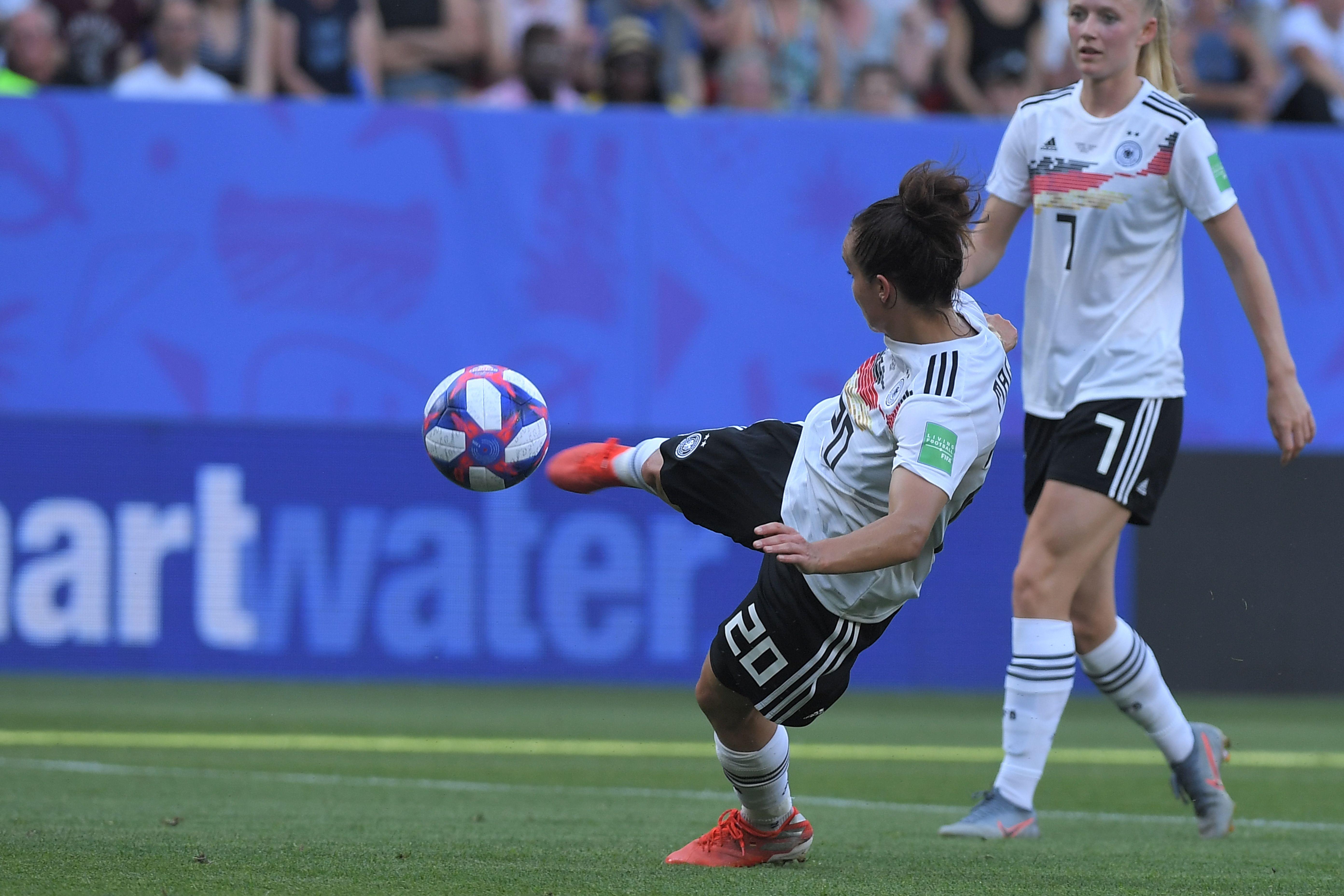 Lina Magull brachte die DFB-Elf per Seitfallzieher in Führung.