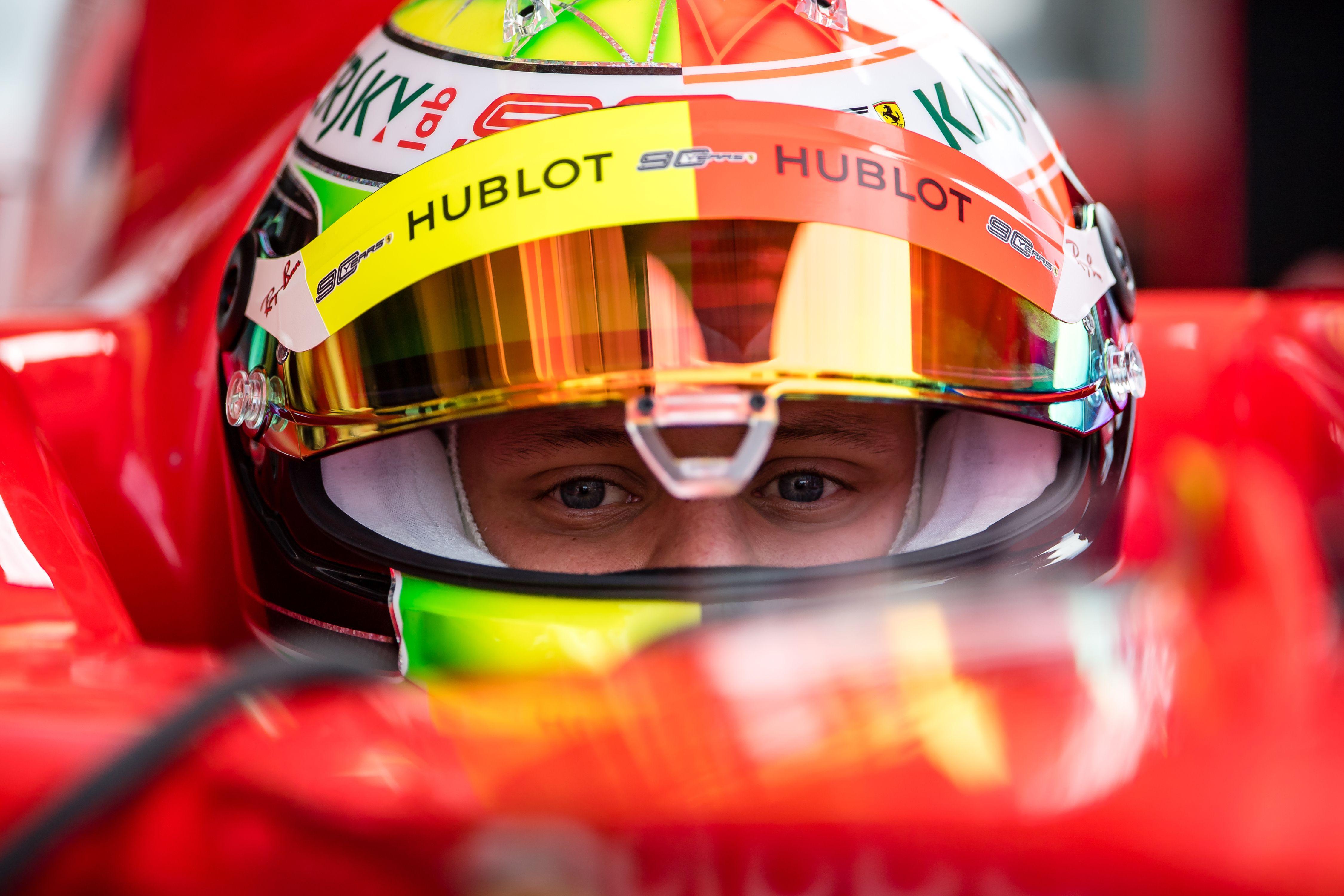 Wie sein Vater: Mick Schumacher im Ferrari F2004 am Hockenheimring.