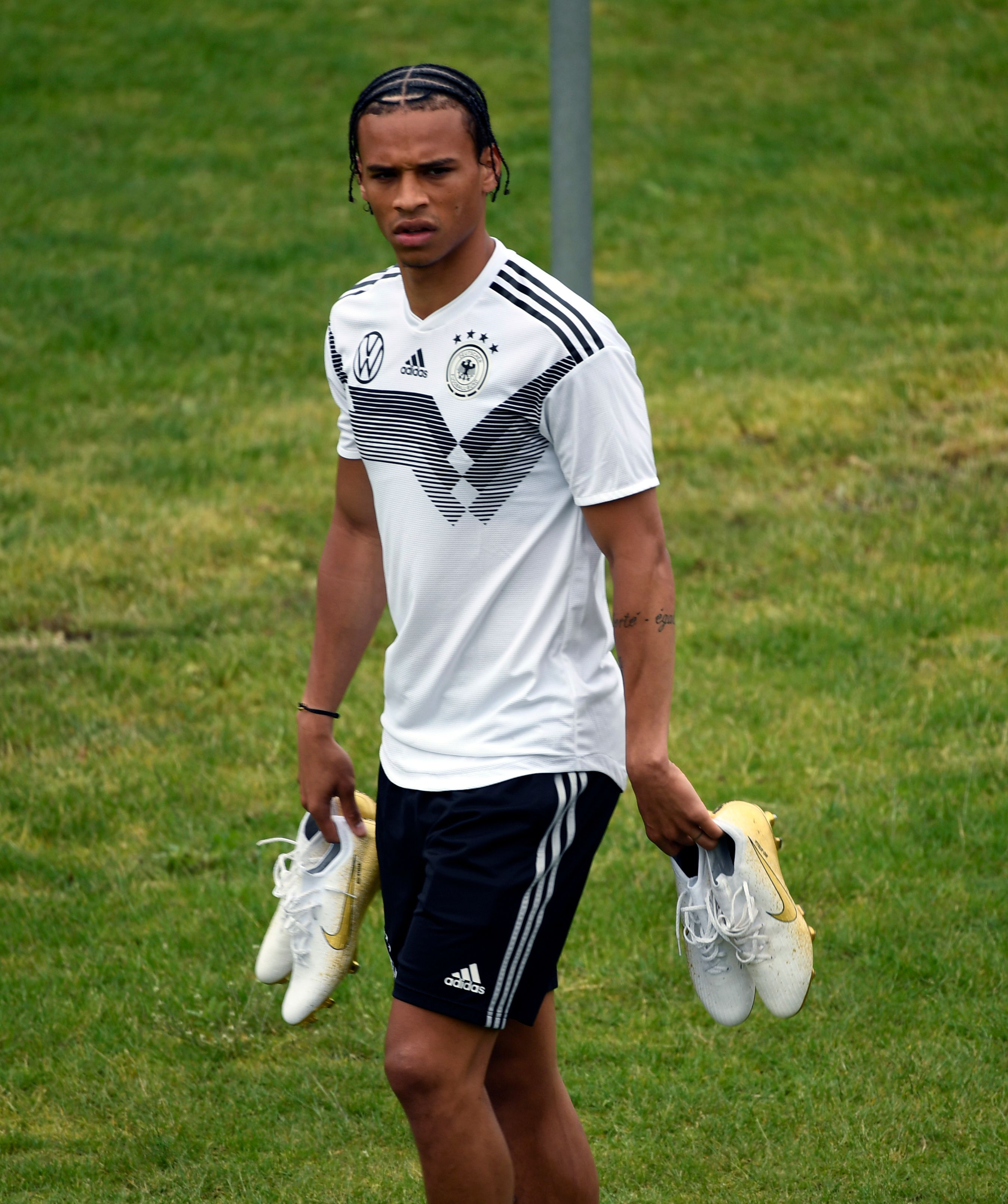 Wird wohl im Sommer kein Roter: Leroy Sané.