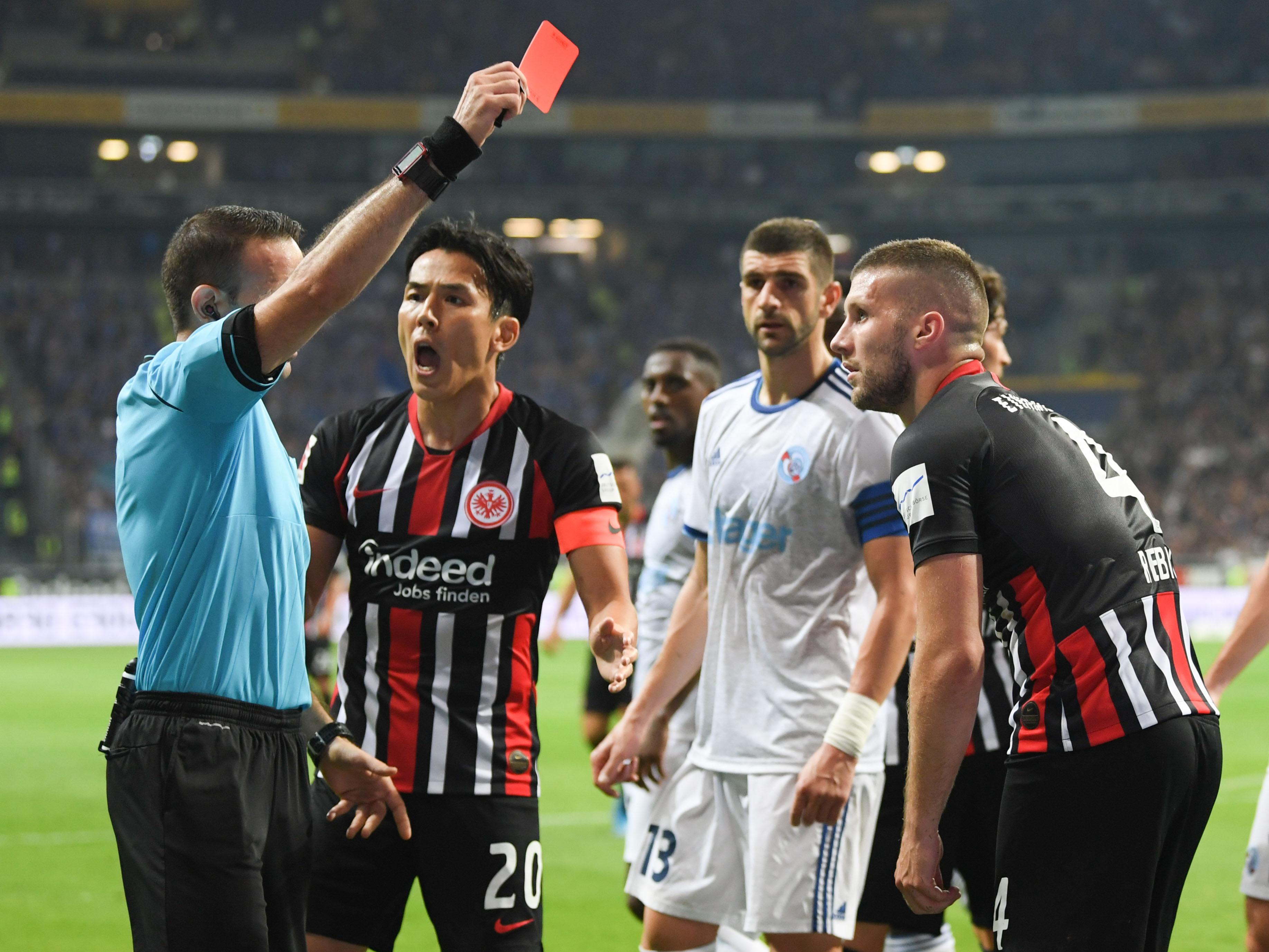 Ante Rebic, damals noch bei Eintracht Frankfurt, sah im Spiel gegen Straßburg die rote Karte. Er wurde jetzt von der UEFA für fünf Spiele gesperrt.