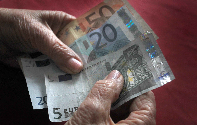 Viele wissen nicht, dass die Zahlungen aus der Rentenkasse teilweise steuerpflichtig sind.