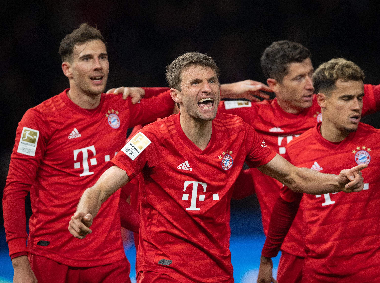 Dank einer starken zweiten Halbzeit geht der FC Bayern in Berlin als klarer Sieger vom Platz.