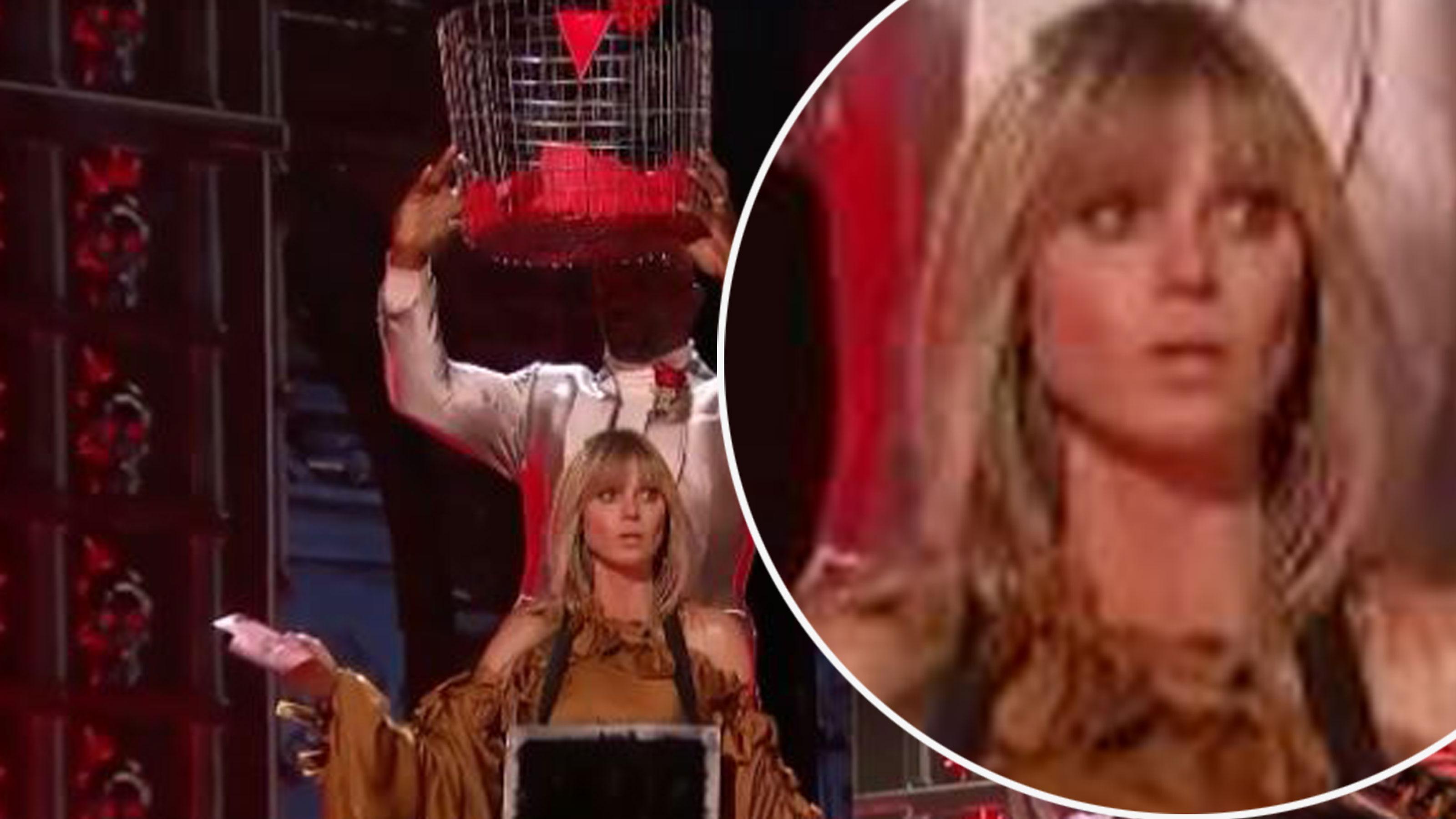 Heidi Klum realisiert hier, was mit ihr auf der Bühne passieren wird. In ihren Augen: Panik!