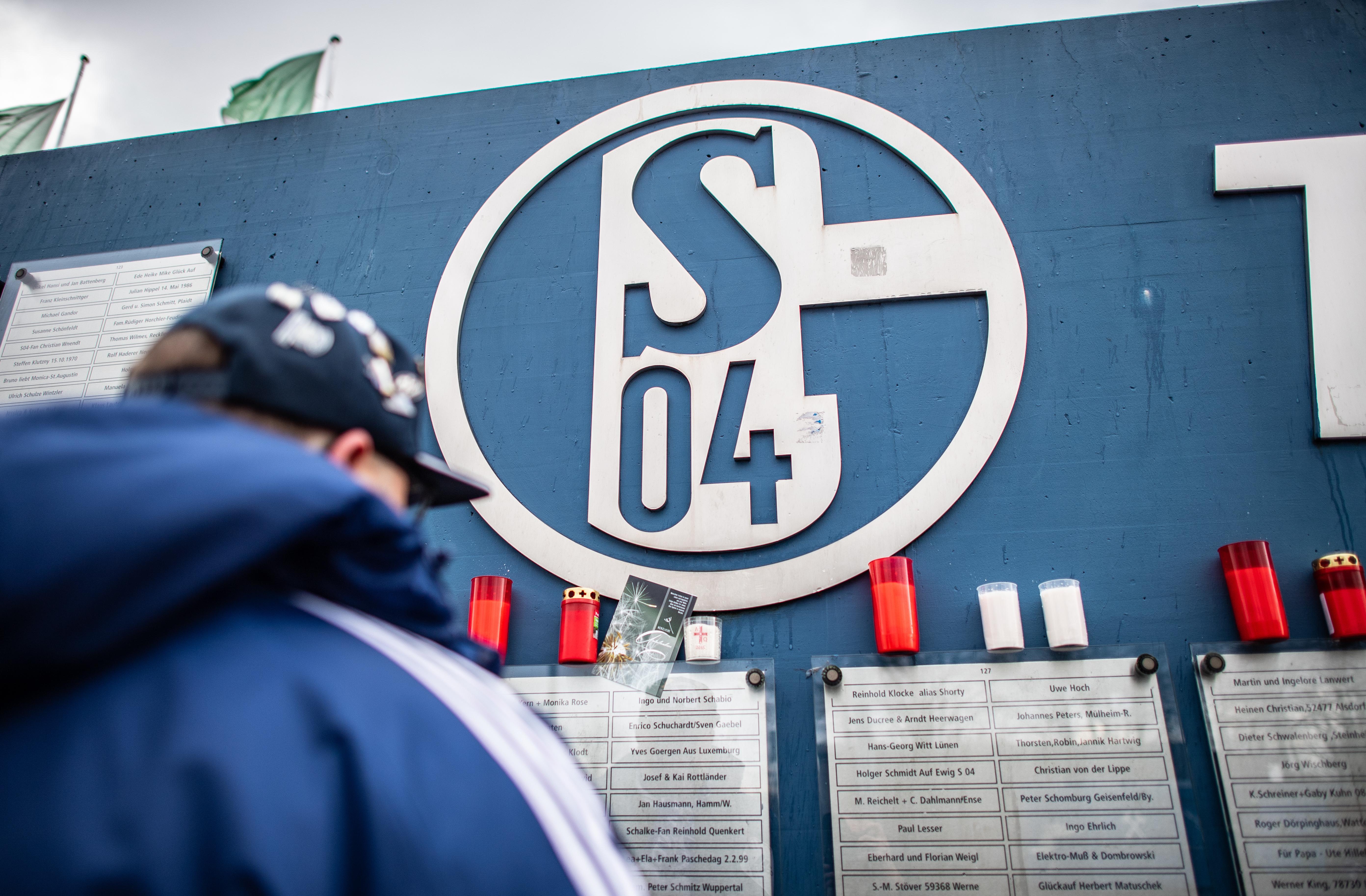 2019 trauerte der FC Schalke 04 um Rudi Assauer (Foto), drei Jahre zuvor um einen früheren Jugendspieler - der offenbar nie gestorben ist.