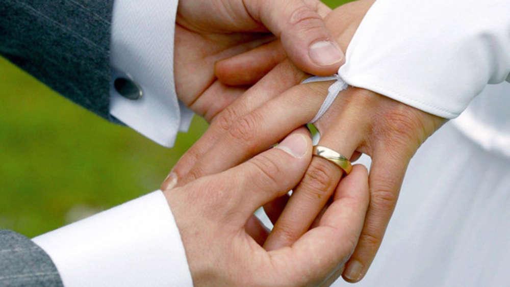 Heiraten in der Coronakrise? Diese Frage stellen sich derzeit viele Brautpaare. (Symbolbild)