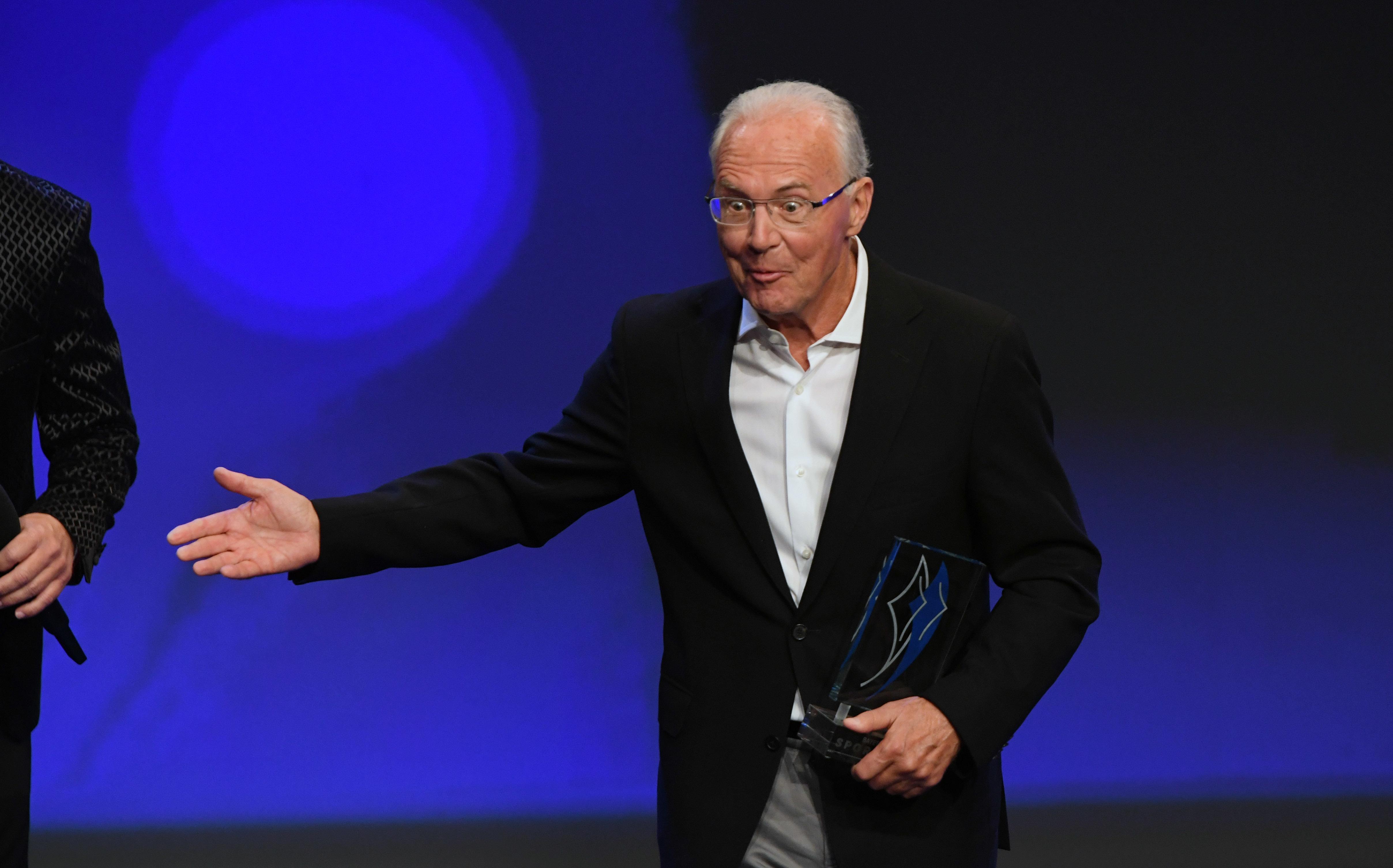 Ehrenpräsident des FC Bayern München: Franz Beckenbauer.