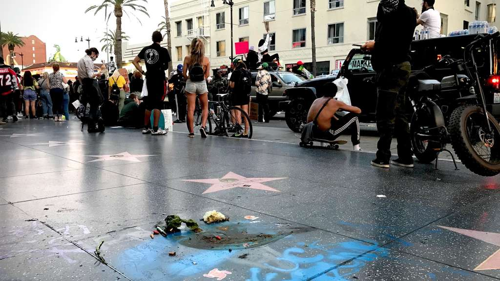 "Der ""Walk of Fame""-Stern von US-Präsident Donald Trump in Hollywood nach Anti-Rassismus-Protesten"
