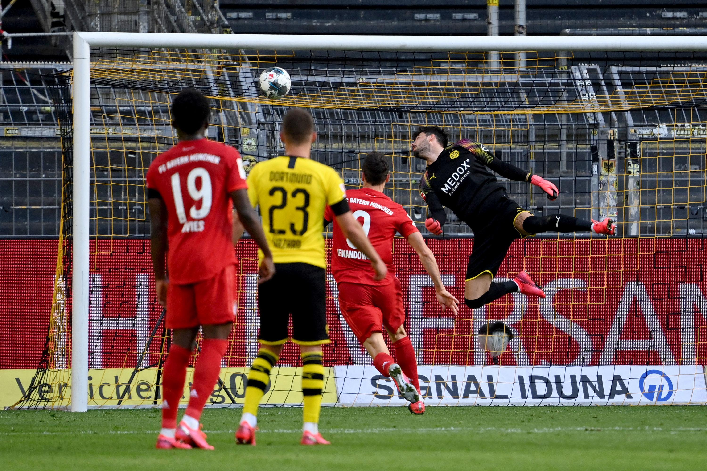 FC Bayern: Das Traumtor von Joshua Kimmich gegen den BVB sorgte weltweit für Aufsehen und erinnert an ein Treffer von Lionel Messi.