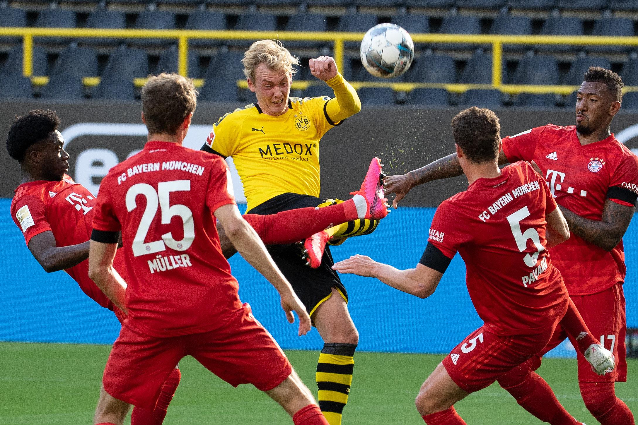 Der FC Bayern triumphierte in Dortmund und steht vor seiner achten Meisterschaft in Folge.