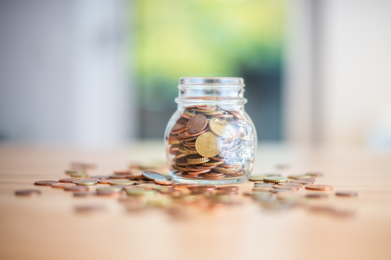Kleingeld gesammelt? Nicht überall können Síe so viele Münzen kostenlos einbezahlen.