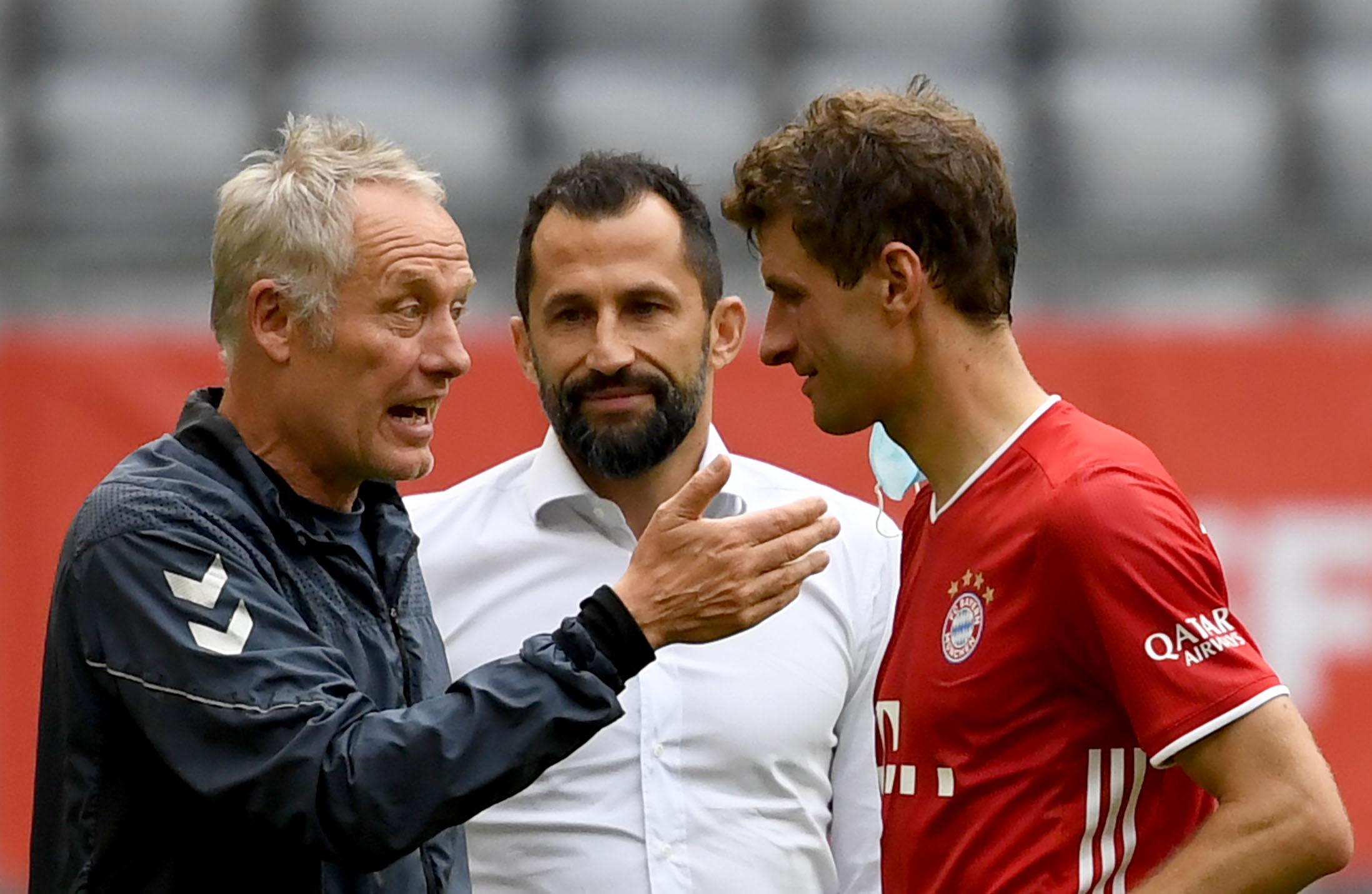 Fachgespräch: Christian Streich, Hasan Salihamidzic und Thomas Müller (v.li.).