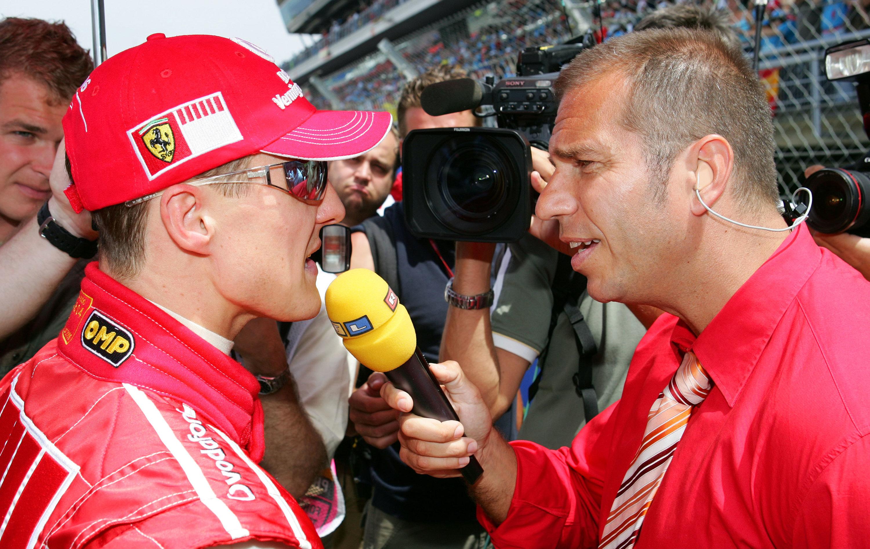 Interview-Bekannte: Formel-1-Ikone Michael Schumacher (li.) und Kai Ebel von RTL.