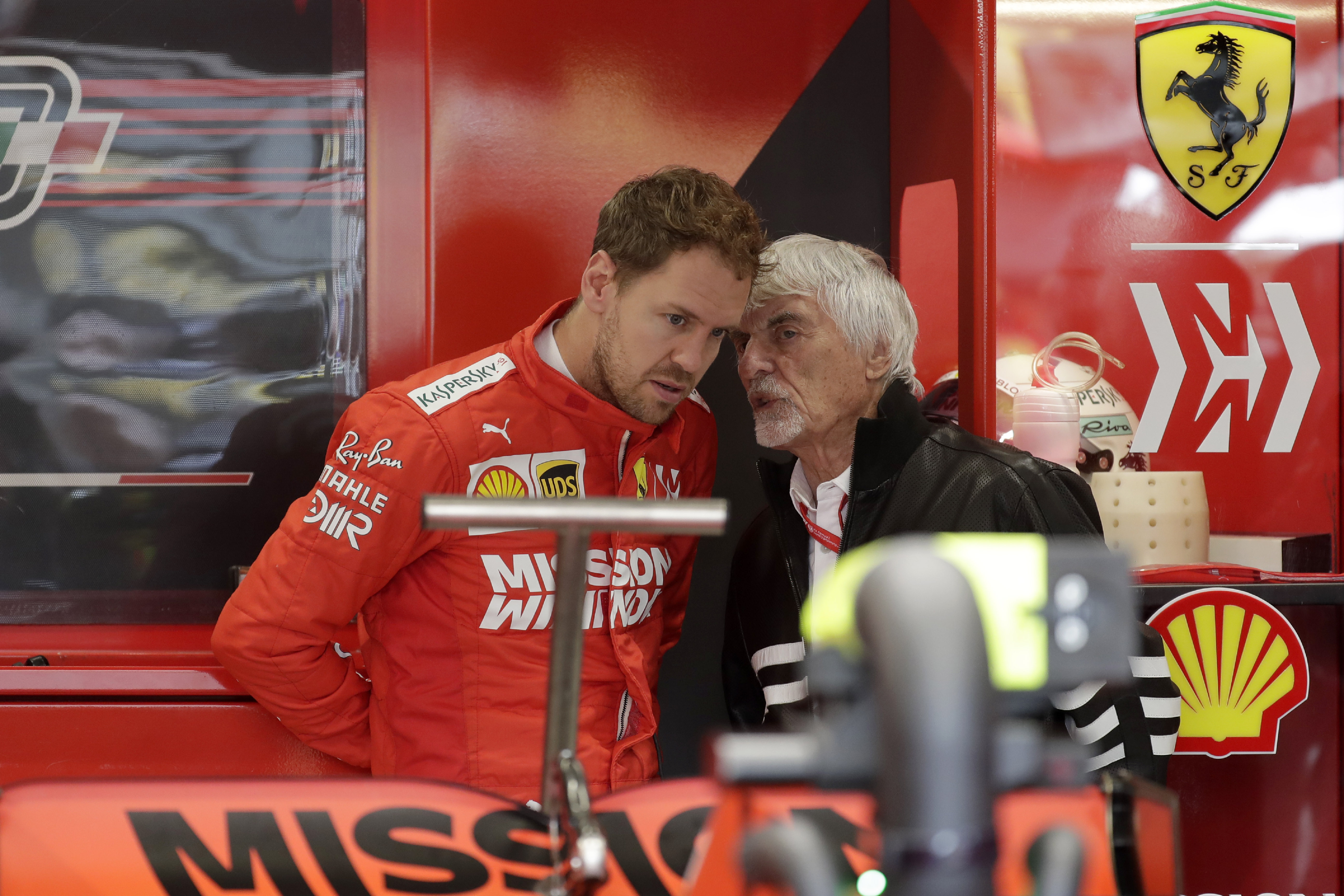 Kennen sich gut: Weltmeister Sebastian Vettel (li.) und Ex-Formel-1-Vermarkter Bernie Ecclestone.