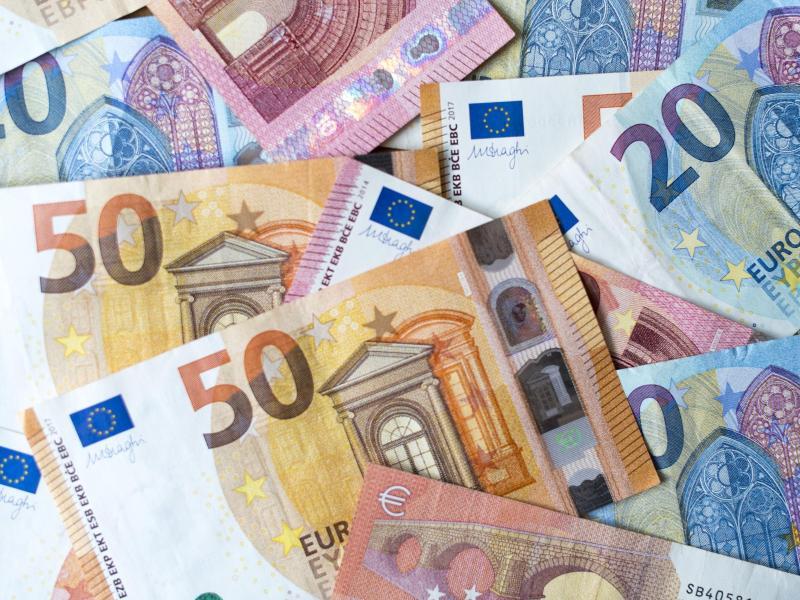 Das Elterngeld ist eine sogenannte Lohnersatzleistung - also eine Zahlung vom Staat, für die keine Gegenleistung gefordert wird. Foto: Monika Skolimowska/dpa-Zentralbild/dpa