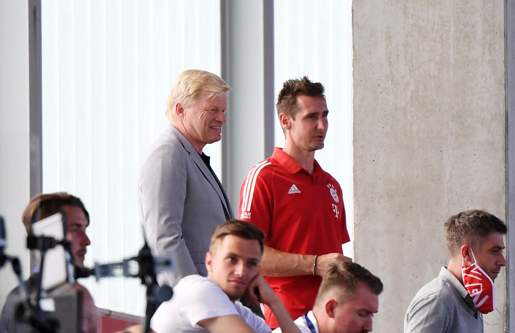 Ex-Bayern-Star unter sich: Oliver Kahn (li.) und Miroslav Klose.