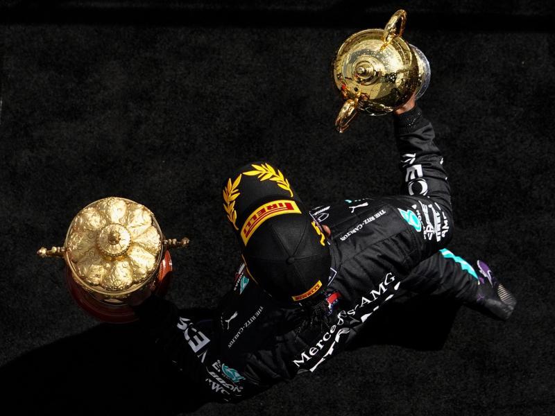 Mercedes-Star Lewis Hamilton will erneut in Silverstone triumphieren. Foto: Will Oliver/PoolEPA/AP/dpa